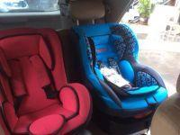Baby-seats-inside-taxi