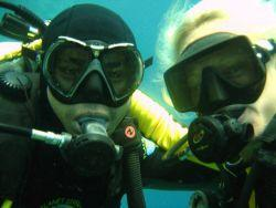 student diver learingin to dive in Thailand