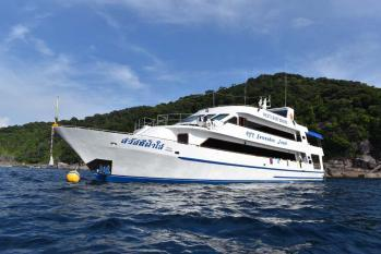 What to expect on a Similian liveaboard trip Sawasdee Fasai
