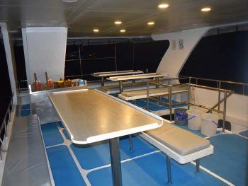 Boat facilities what to expect on a Similian liveaboard trip communcal dining area