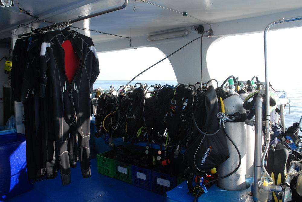 wetsuits-dive-deck.JPG