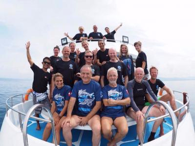 Dutch divers at Similan Islands Richelieu Rock on board Lapat liveaboard