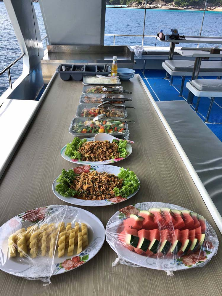 dinner-on-lapat-boat.jpg