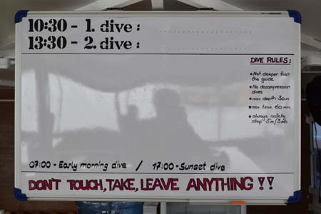 Nemo-1-scuba-diving-Similan-liveaboard-itinerary-whiteboard.jpg